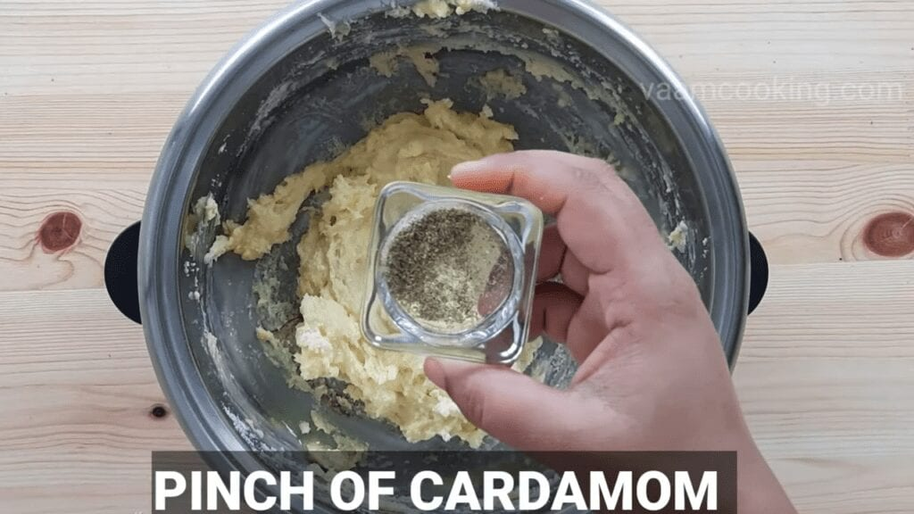 Instant-kesar-peda-homemade-peda-cardamom