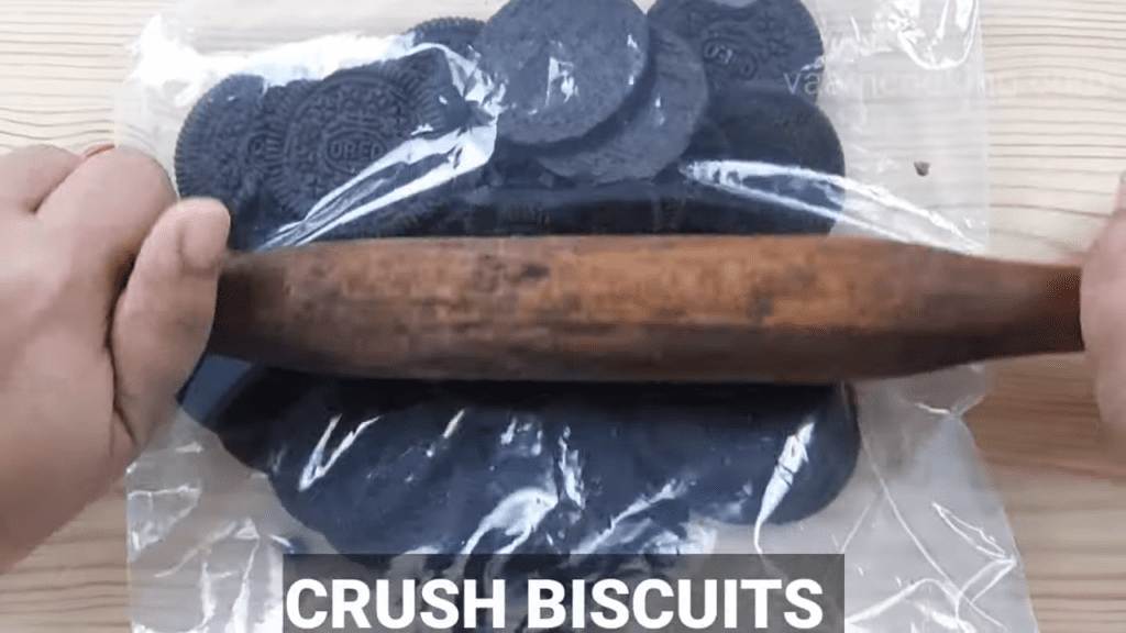 Oreo-Mcflurry-recipe-homemade-Oreo Mcflurry-crused-oreo-biscuits