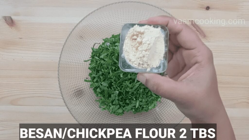 Palak-vadi-recipe-healthy-spinach-rolls-besan