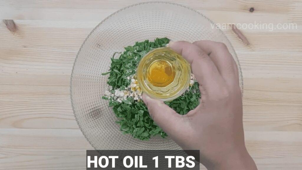 Palak-vadi-recipe-healthy-spinach-rolls-Hot-oil
