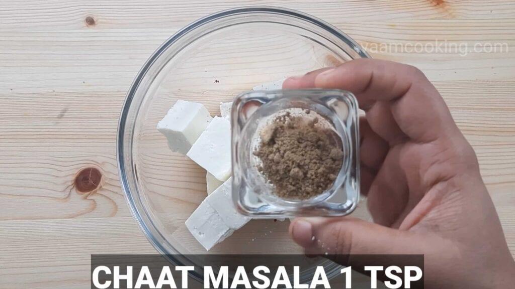 Paneer tikka pizza Chaat masala