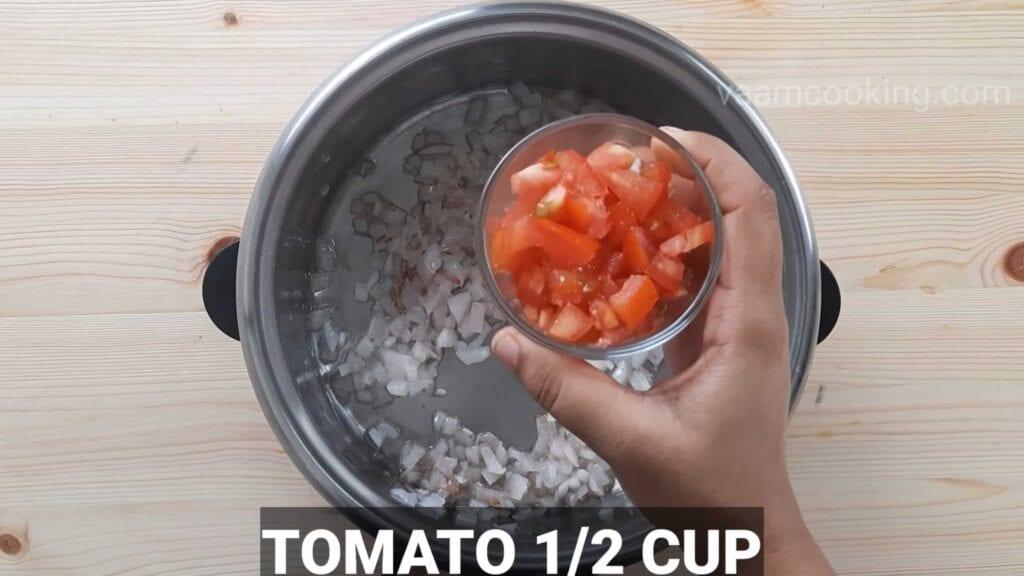 Paneer tikka pizza Pizza sauce tomato