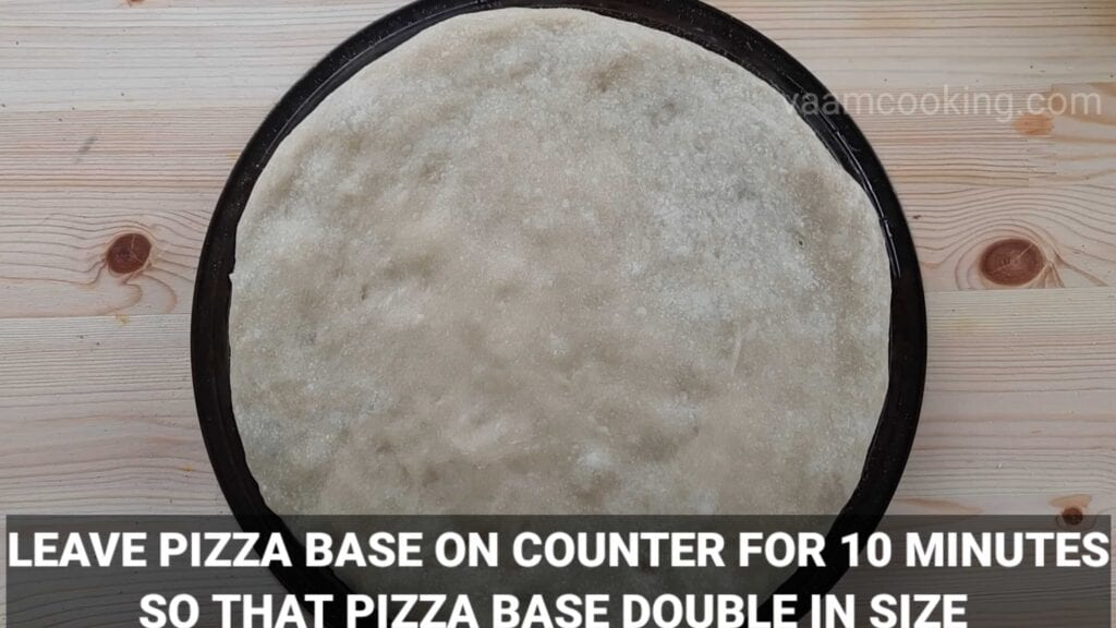 Paneer tikka pizza base