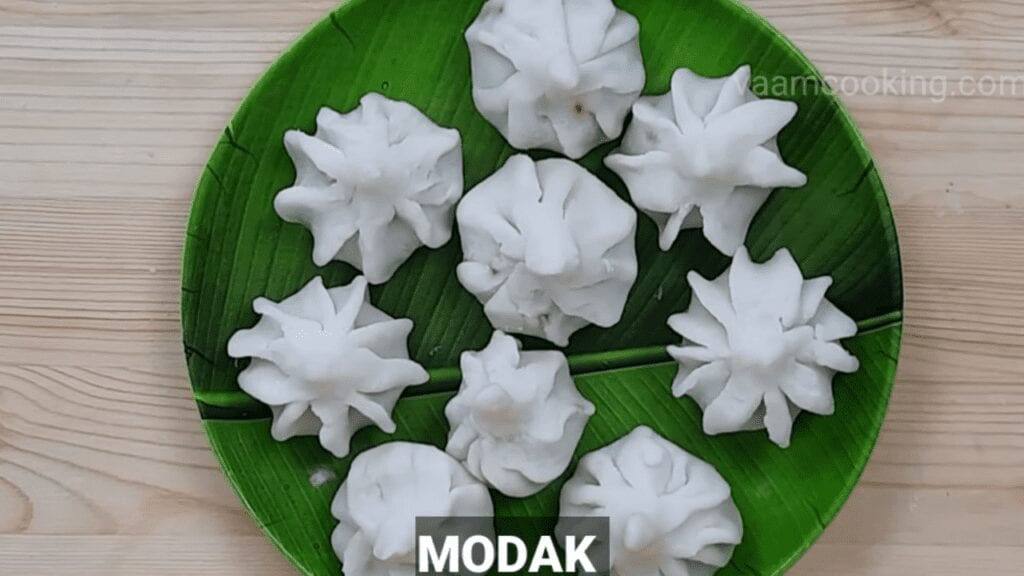 ukadiche-modak-first-timer-modak-ready-for-steam