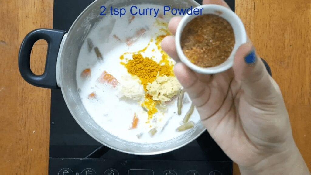 Vegetarian-thai-yellow-curry-add-curry-powder