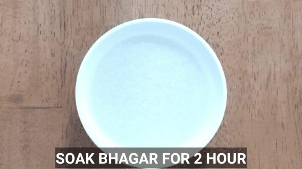 Vrat-Dahivada-recipe-soak-bhagar