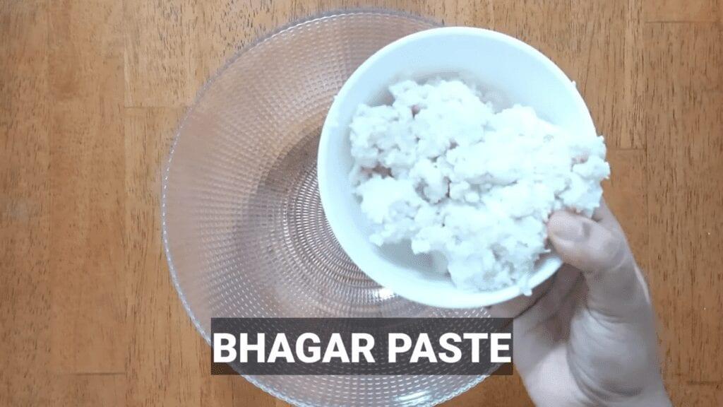 Vrat-Dahivada-recipe-bhagar-paste-into-bowl