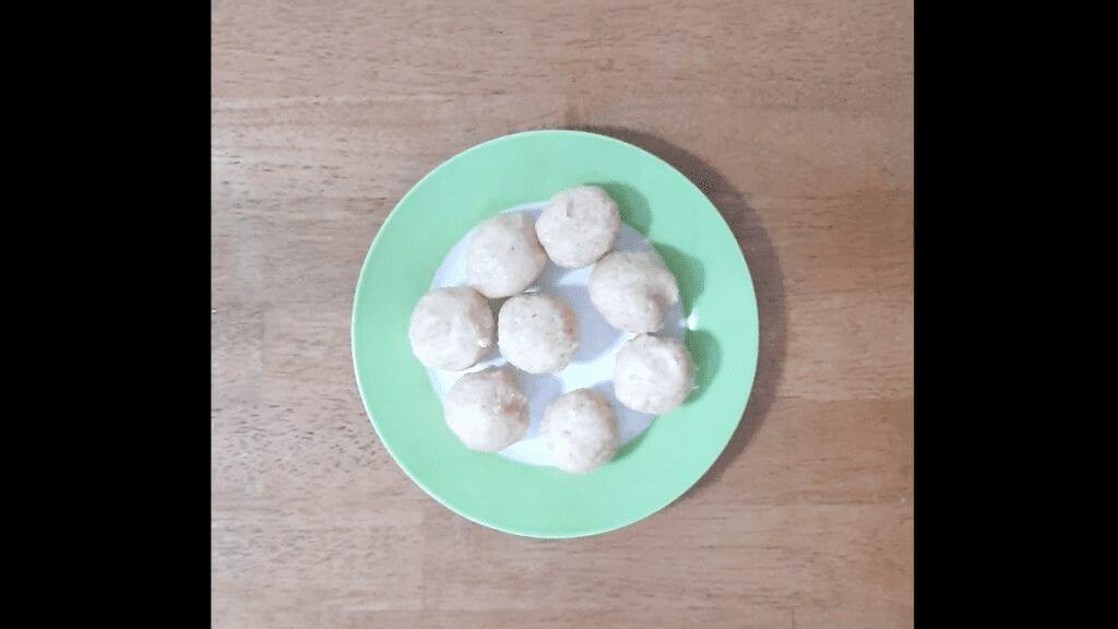 Vrat-Dahivada-recipe-make-ball