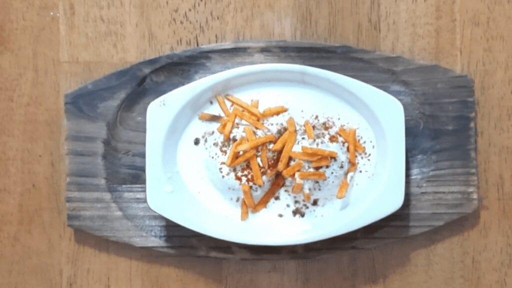 Vrat-Dahivada-recipe-vada-ready-for-plating-potato-chiwda
