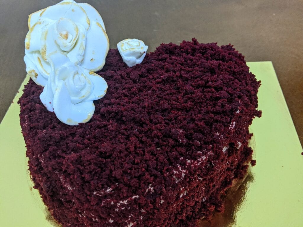 eggless-red-velvet-cake-decorated