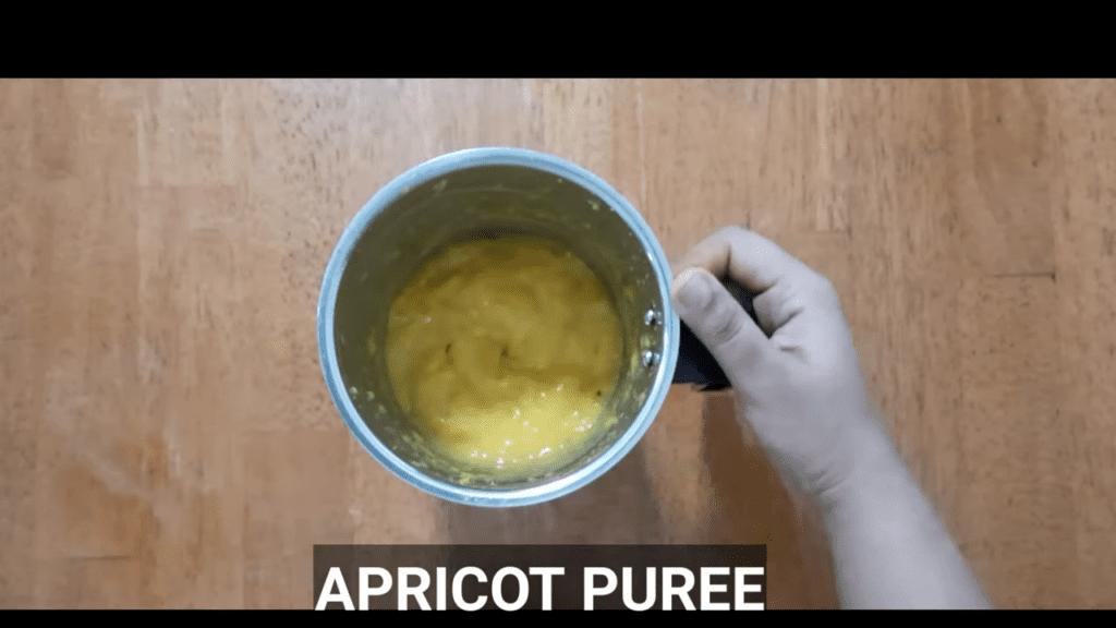 homemade- apricot-jam -apricot-puree