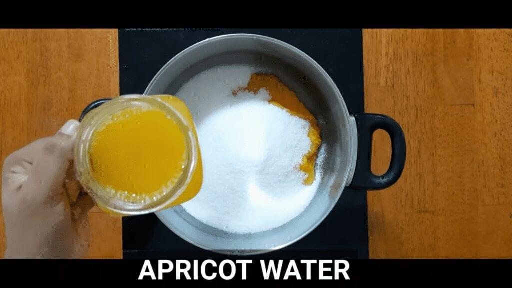 homemade- apricot-jam -recipe-Kubani-jam-pour-apricot-cooked-water
