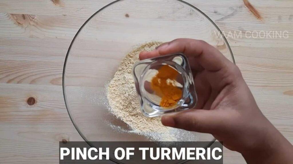 instant-khaman- dhokla-pinch-turmeric