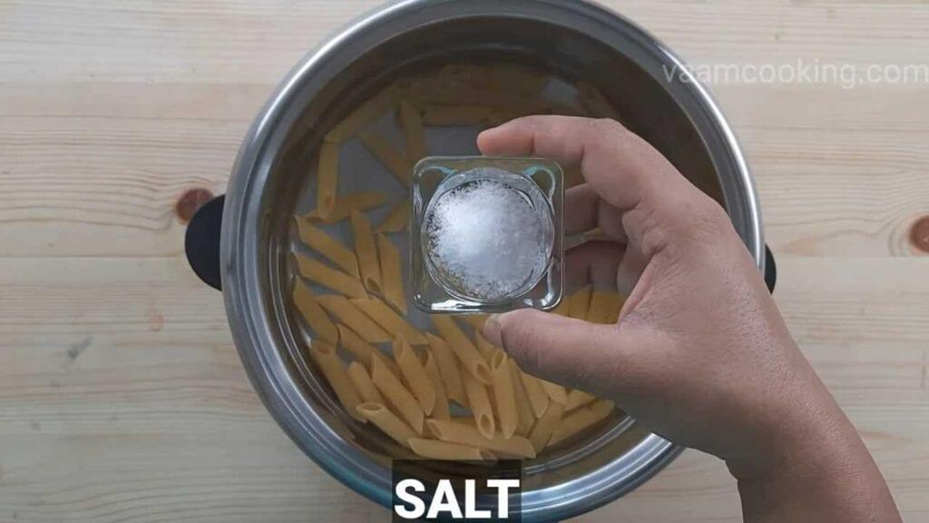 white sauce pasta vegetarian pasta boil pasta salt
