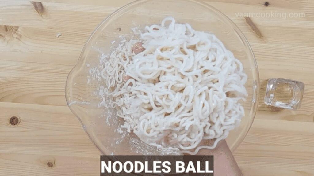 American-chop-suey-recipe-noodles-ball