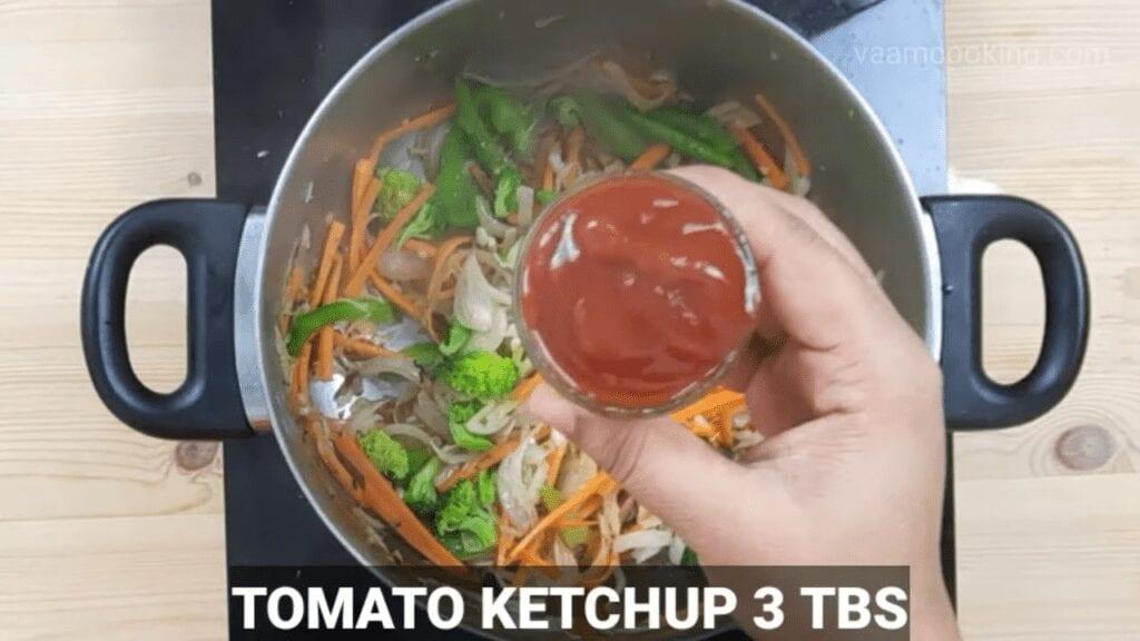 American-chop-suey-sauce-tomato-ketchup