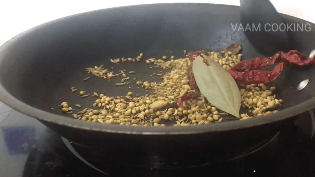 Amritsari-chole-masala-recipe-mix-well