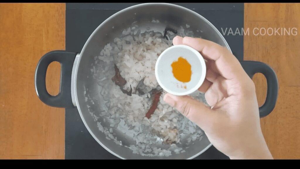 Amritsari-chole-recipe-Punjabi-chole-recipe-turmeric
