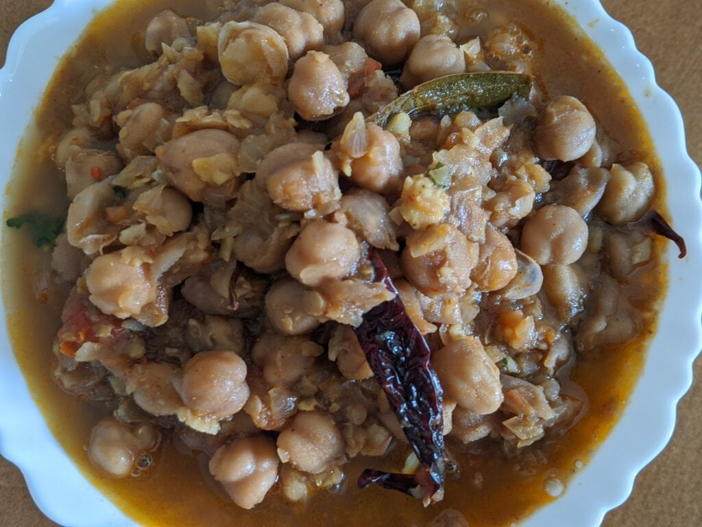Amritsari-chole-recipe-Punjabi-chole-recipe-image-1