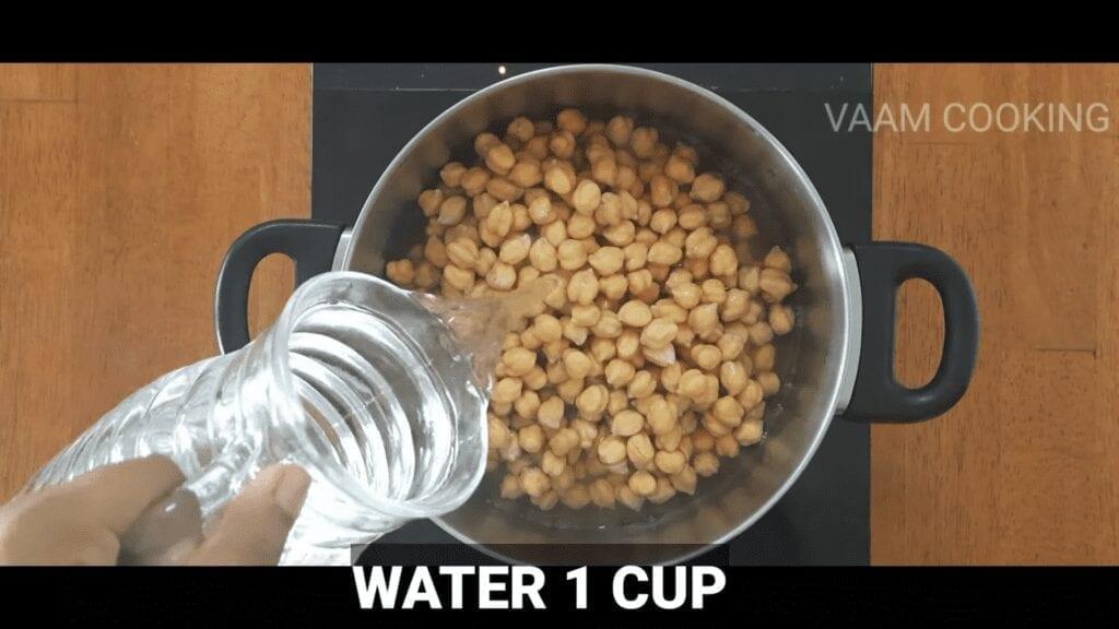 Amritsari-chole-recipe-Punjabi-chole-recipe-add-water