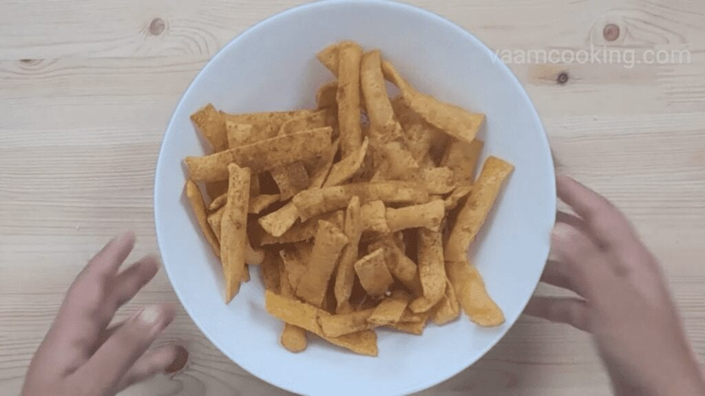 Chorafali-recipe-Gujrati chorafali-recipe-add-masala