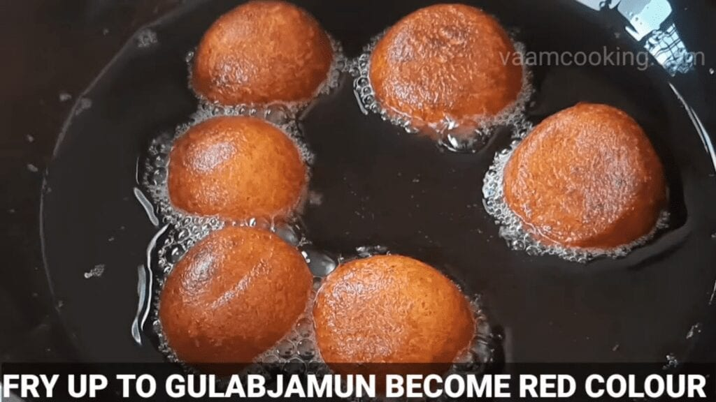 Halwai-style-gulab-jamun-recipe-khoya-gulab-jamun-recipe-fry