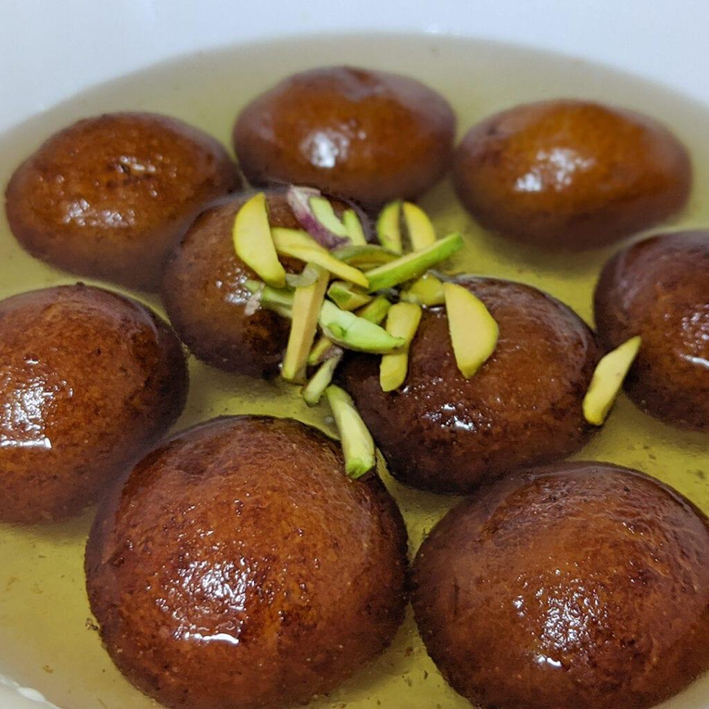 Halwai-style-gulab-jamun-recipe-khoya-gulab-jamun-recipe