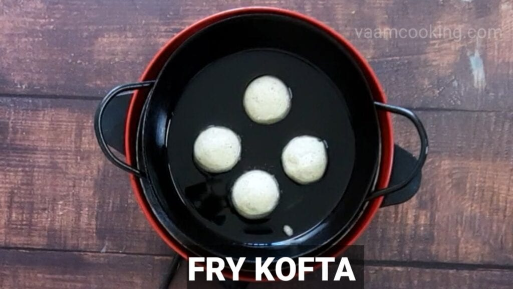 Malai-kofta-recipe-in-white-gravy-fry-kofta