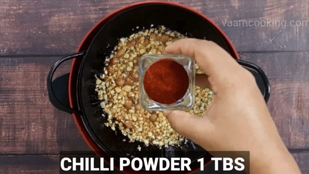 Mudda-bhaji-recipe-tadka-chili-powder