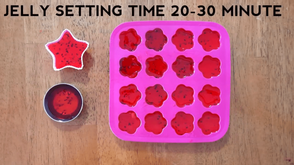 Strawberry-Jelly-Recipe-Homemade-easy-simple-star-setting-time
