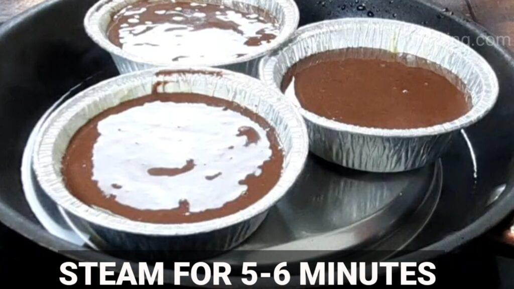 choco-lava-cake in pan