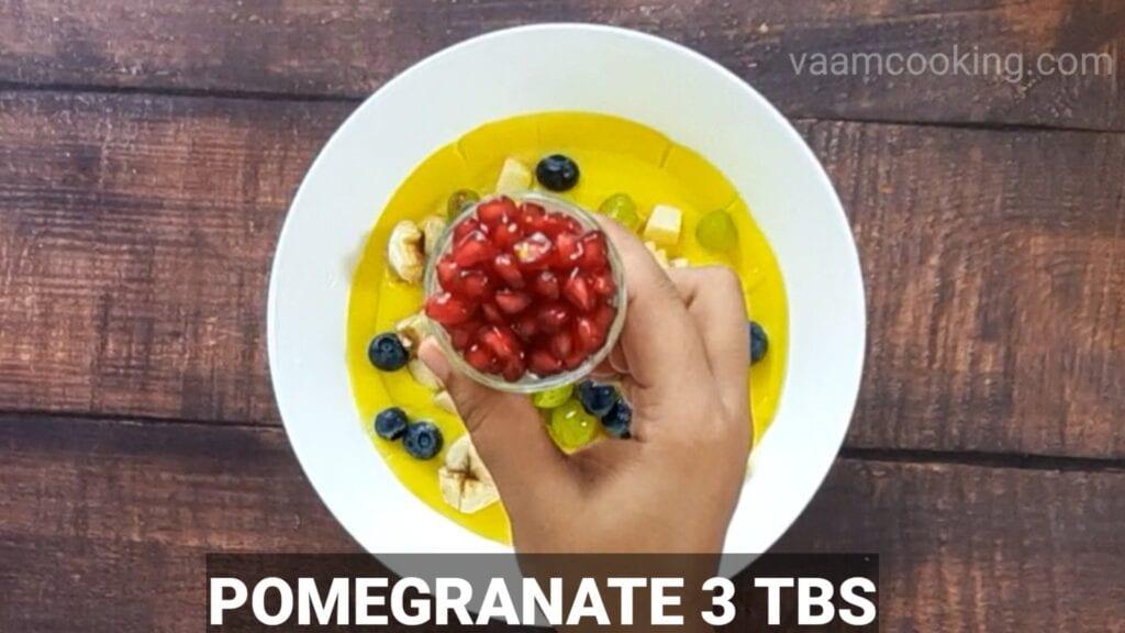 fruit-custard-recipe-add-pomegranate