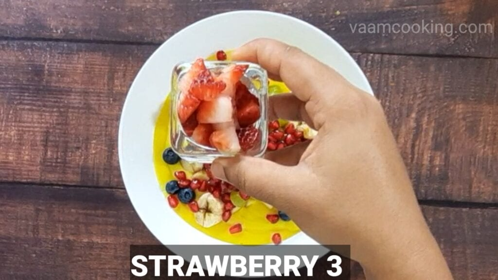 fruit-custard-recipe-add-strawberry