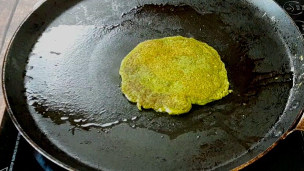 moth-pancake-recipe cook pancake