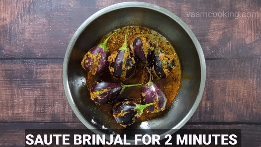 Bharwa-baingan-recipe-curry-salute-brinjal