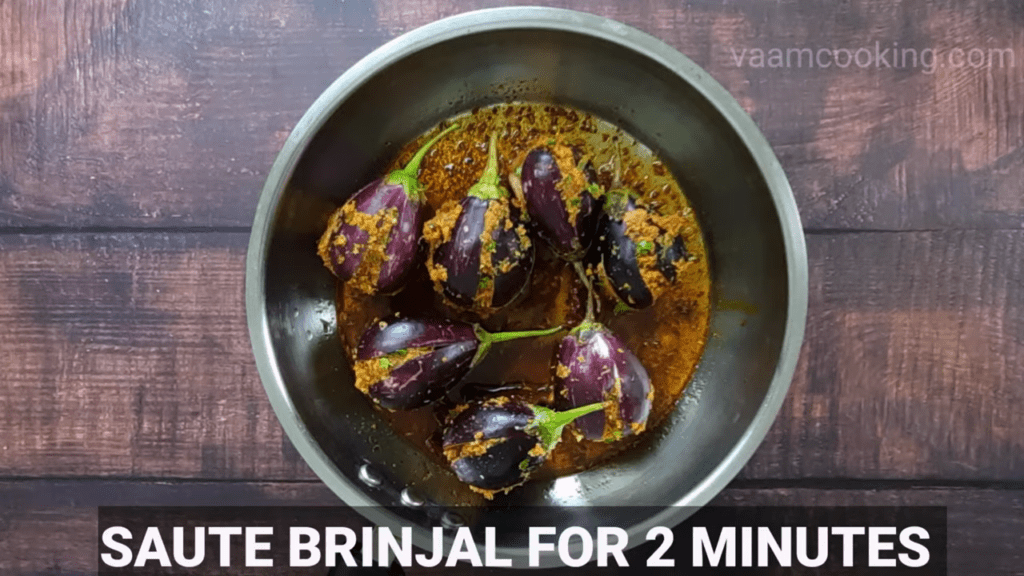 Bharwa-baingan-recipe-curry-salute-brinjal