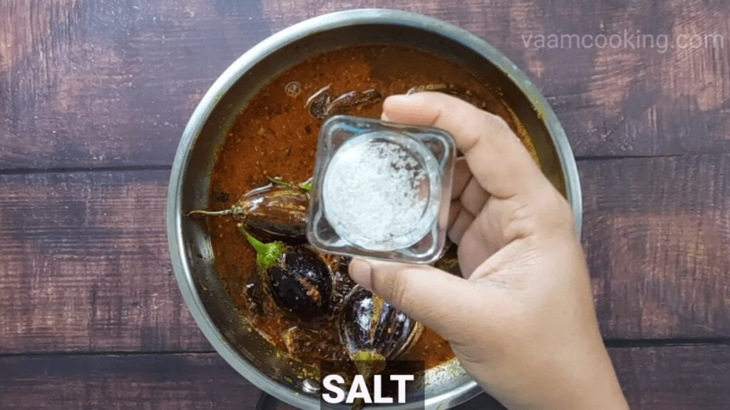 Bharwa-baingan-recipe-curry-salt