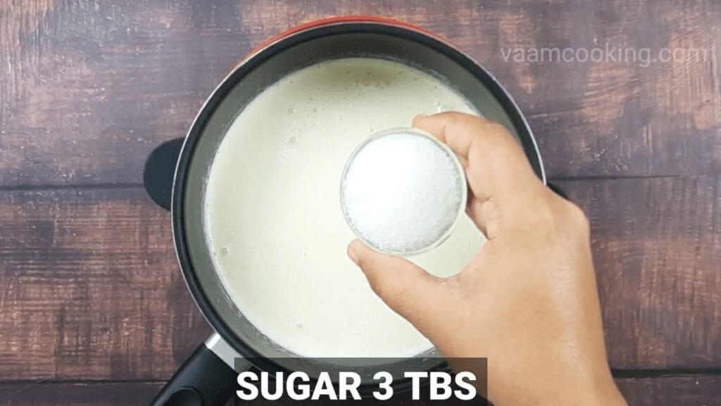 Eggless-Crème-Brulee-recipe-sugar