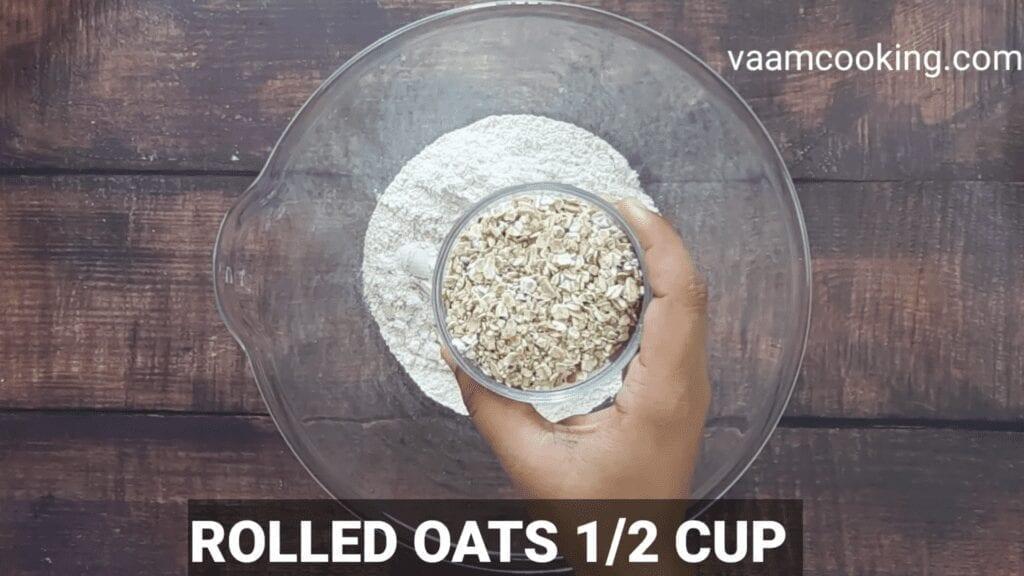 Eggless-whole-wheat-bread-recipe-rolled-oats