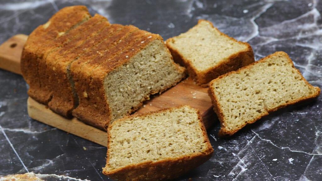Eggless-whole-wheat-bread-recipe-oats-bread-recipe-image