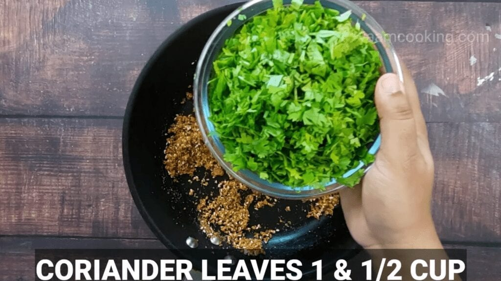 Kothimbir-vadi-recipe-stuffing-caoriander-leaves