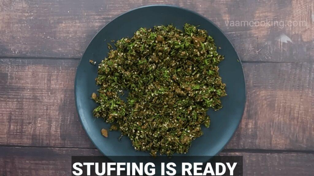 Kothimbir-vadi-recipe-stuffing-is-ready