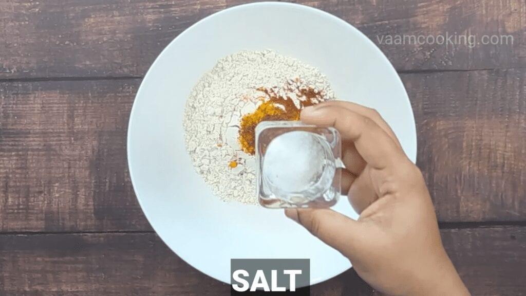 Kothimbir-vadi-recipe-salt
