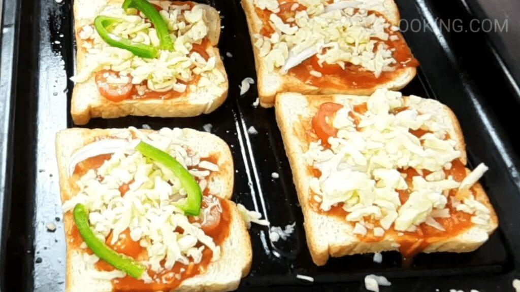 bread-pizza-recipe-capsicum