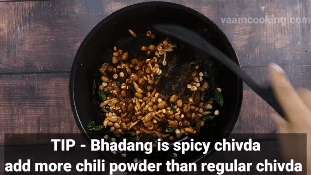 kolhapuri-bhadang-recipe-tip-red-chili