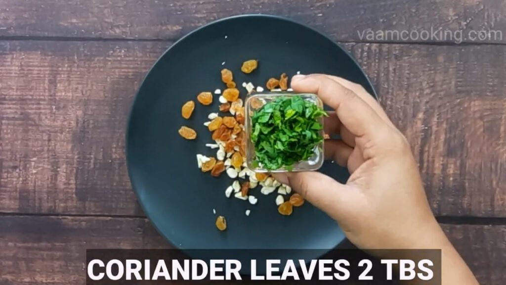 paneer-pasanda-recipe-stuffing-coriander-leaves