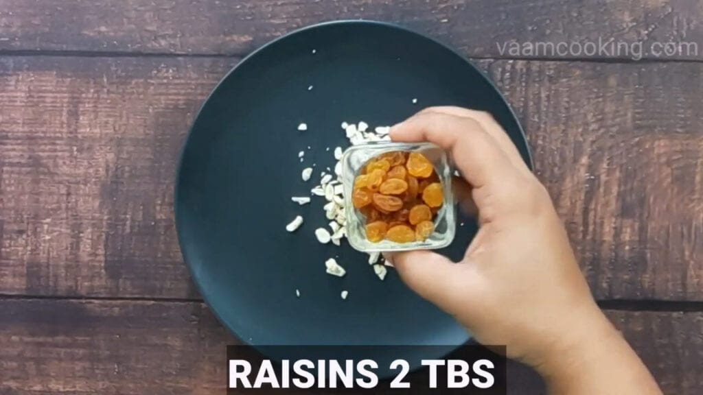 paneer-pasanda-recipe-stuffing-raisins