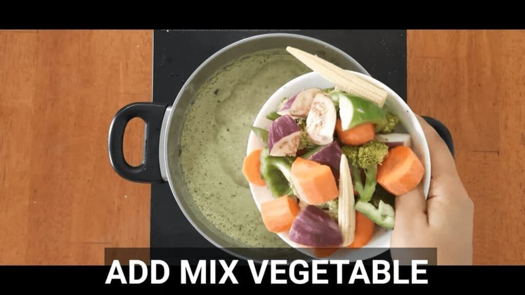 thai-green-curry-vegetarian-homemade-thai-green-curry-add-mix-vegetable