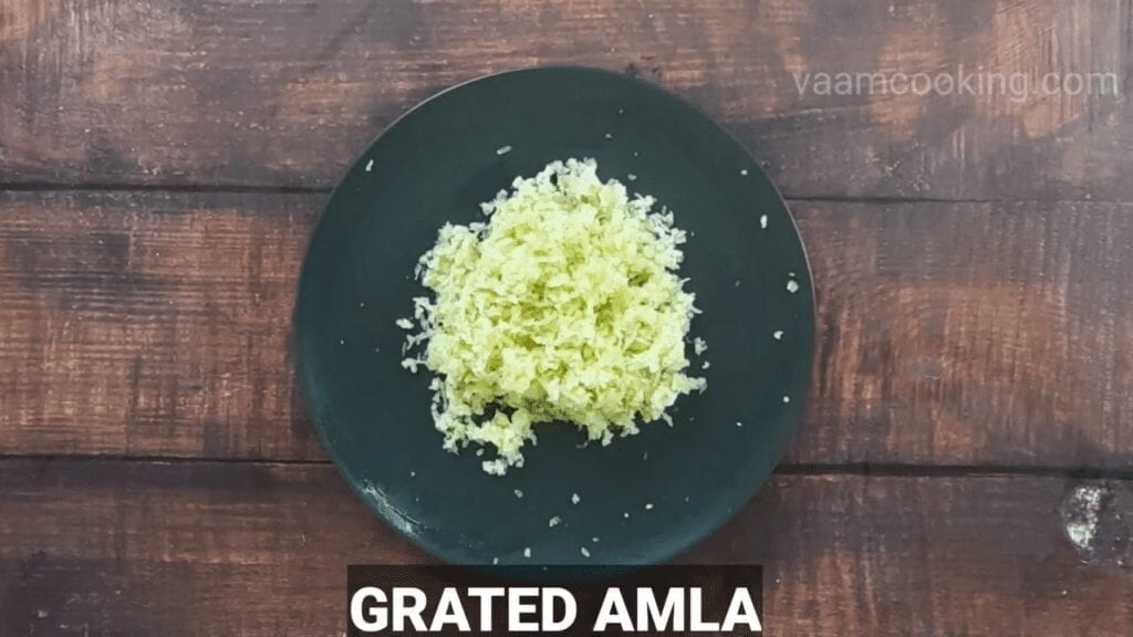 spicy-amla-chutney-Grated-Amla