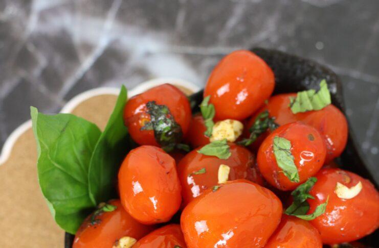 sauteed cherry tomaoes with garlic & basil pin